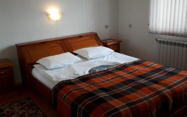 Отель Guest House Zlatinchevi Банско комната для гостей