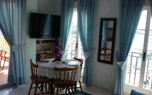 Отель Apartamento Puerto Deportivo Marina комната для гостей