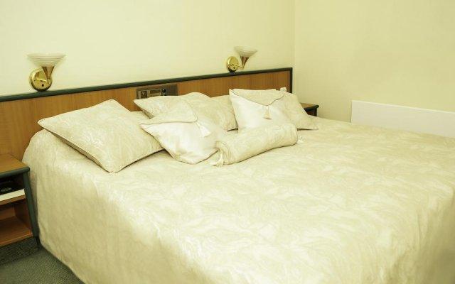 Отель Amber Apple Guesthouse Литва, Вильнюс - отзывы, цены и фото номеров - забронировать отель Amber Apple Guesthouse онлайн комната для гостей