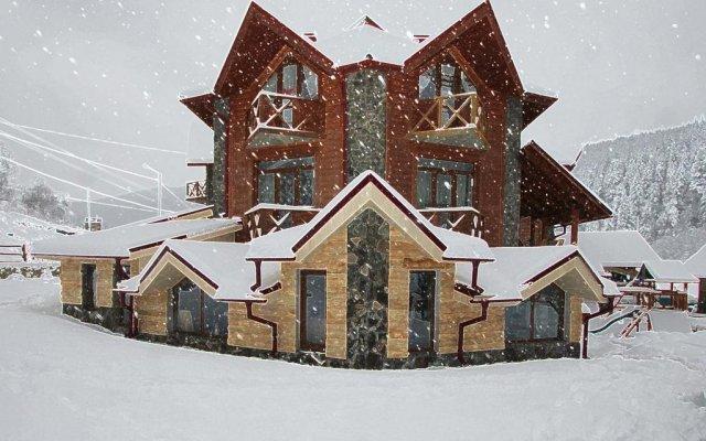 Семейный отель Горный Прутец вид на фасад