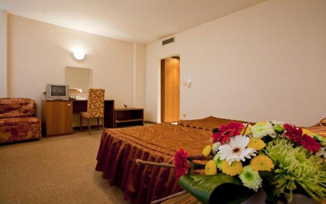 Hotel Intelcoop комната для гостей