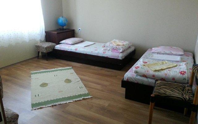 Отель Mihaela Lake Retreat Болгария, Карджали - отзывы, цены и фото номеров - забронировать отель Mihaela Lake Retreat онлайн комната для гостей