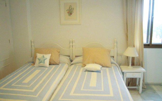 Отель Chalets Con Piscina Испания, Пуэрто Де Санта Мария - отзывы, цены и фото номеров - забронировать отель Chalets Con Piscina онлайн комната для гостей