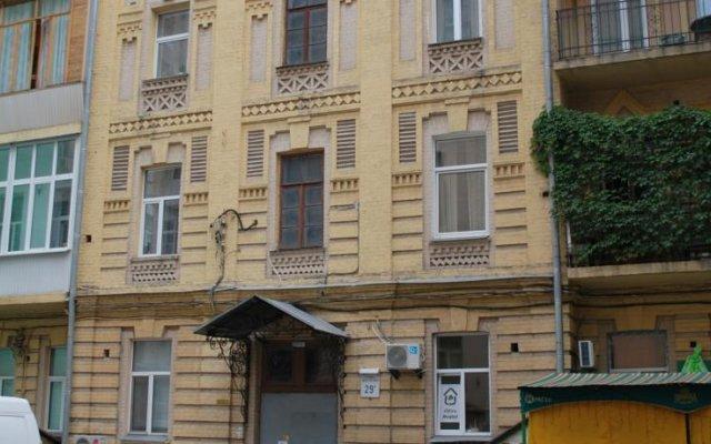 Olive Hostel вид на фасад