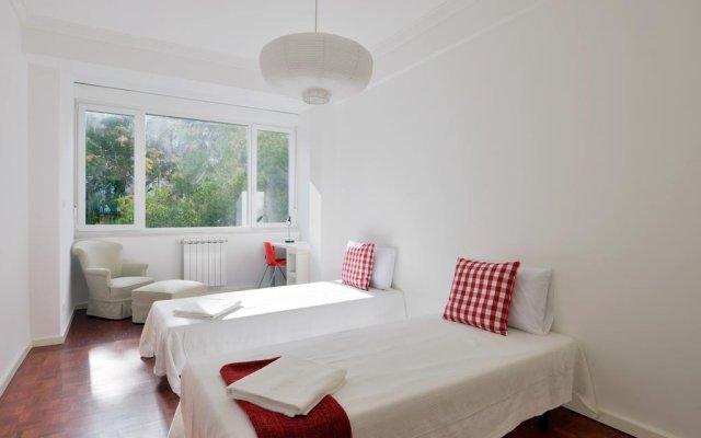 Отель Feels Like Home - Principe Real Elegance комната для гостей