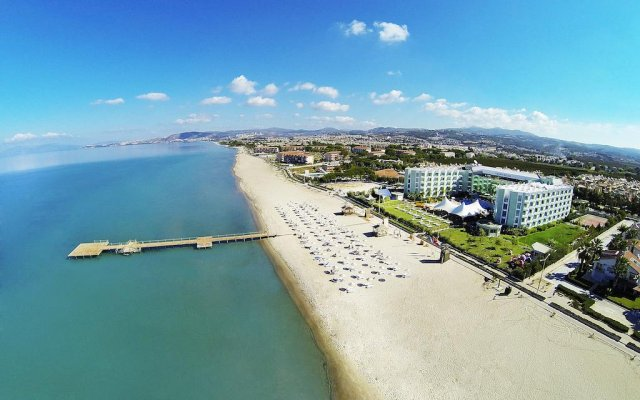 Grand Belish Hotel пляж