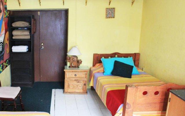 Отель CasaMy Hostal CasaZalaoui Гвадалахара комната для гостей