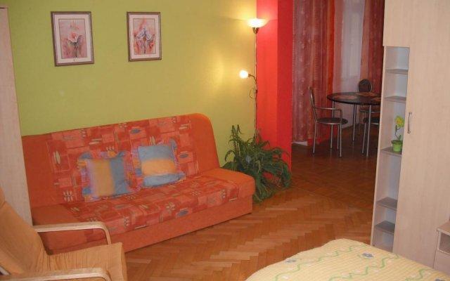 Отель Apartmán Orchidej u Vřídla комната для гостей