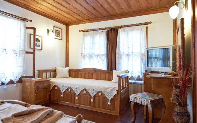 Отель Iv Guest House Болгария, Сливен - отзывы, цены и фото номеров - забронировать отель Iv Guest House онлайн комната для гостей