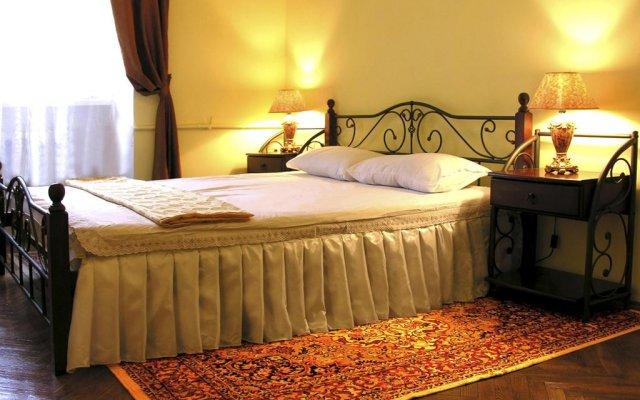 Апартаменты Авcтрийские Апартаменты во Львове комната для гостей