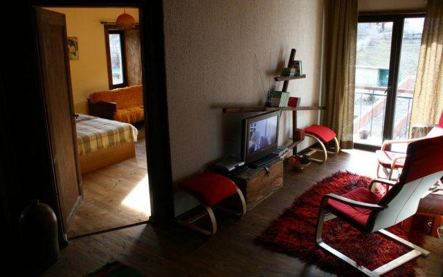 Отель Guesthouse KaraIvan Чепеларе комната для гостей