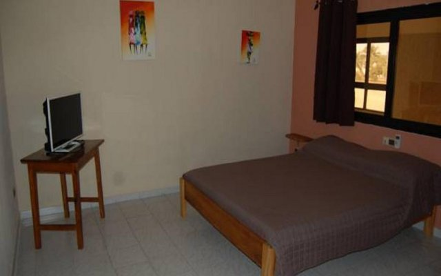 Hotel Restaurant Piscine Baie des Anges in Lome, Togo from 85$, photos,  reviews - zenhotels.com