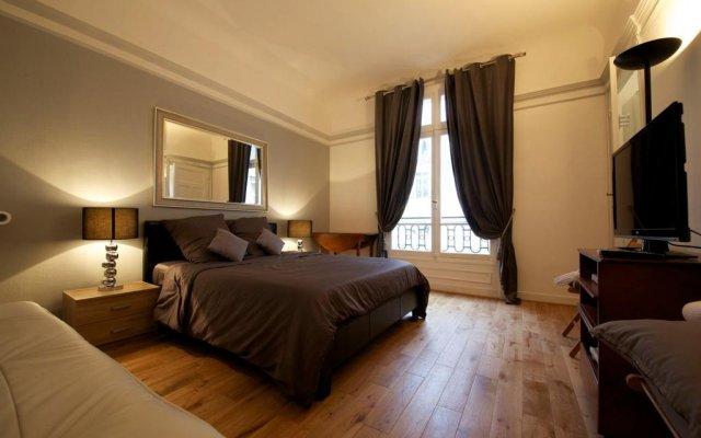 Отель Private Studio Avenue des Champs Elysées Франция, Париж - отзывы, цены и фото номеров - забронировать отель Private Studio Avenue des Champs Elysées онлайн комната для гостей