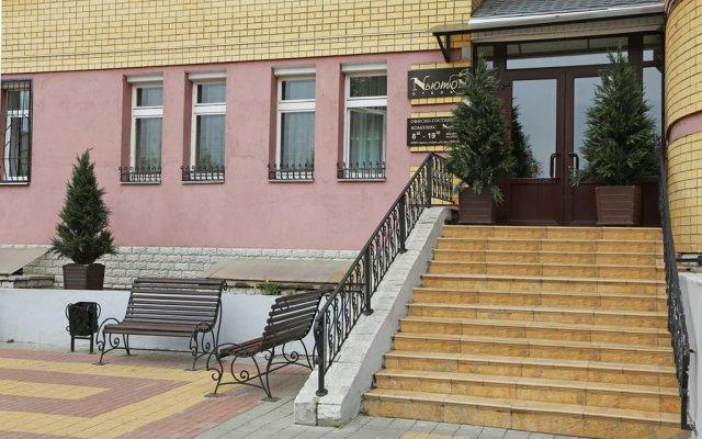 Гостиница Ньютон вид на фасад