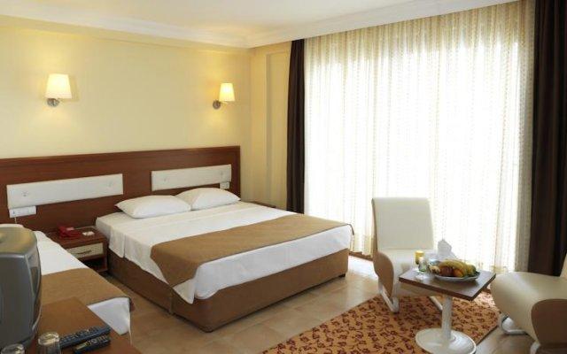 Отель Club Familia Чешме комната для гостей