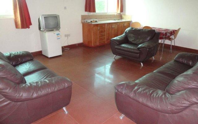 Gussys Hotel Ltd комната для гостей