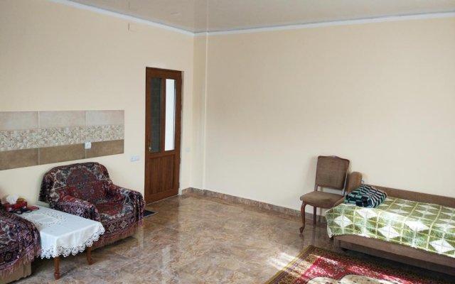 Отель Family Garden Guest House Ереван комната для гостей