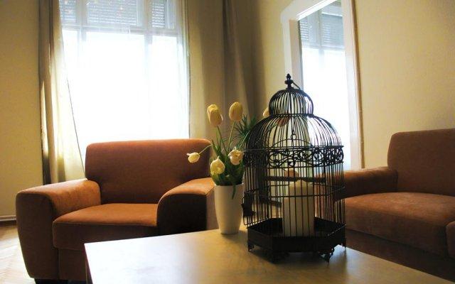 Апартаменты Golden Stars Dream Apartment комната для гостей