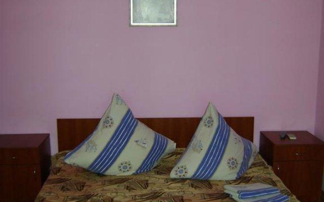 Mini Hotel Vatutina Бердянск комната для гостей