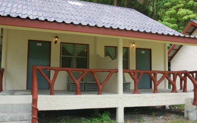 Отель Poda Island Resort вид на фасад