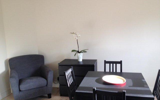 Отель Zurenborg Studios комната для гостей