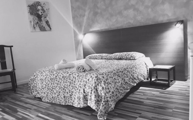 Отель Majoliche B&B Сан Джулианс комната для гостей