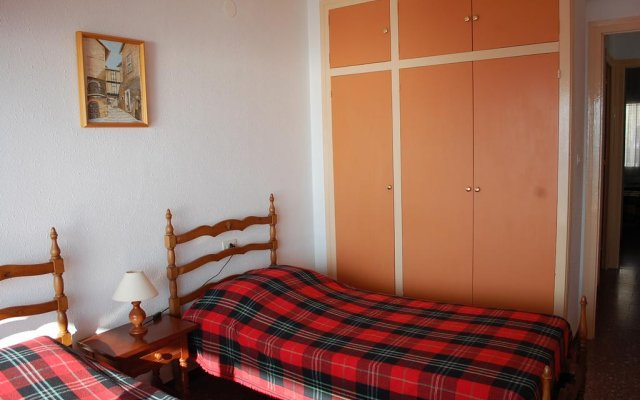 Отель Monaco 3017 Испания, Курорт Росес - отзывы, цены и фото номеров - забронировать отель Monaco 3017 онлайн комната для гостей