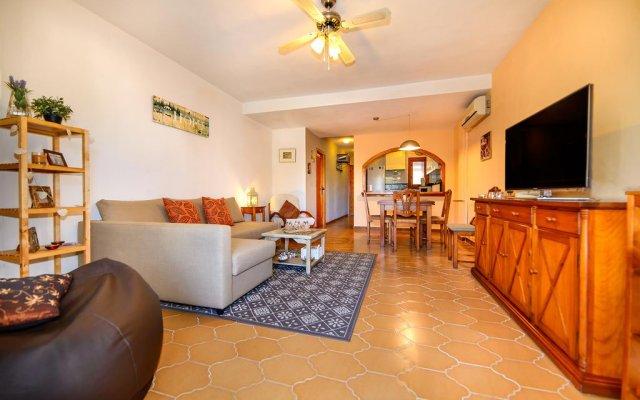 Отель Claudia Villamartín Golf Ориуэла комната для гостей