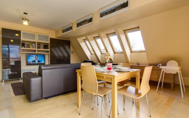 Отель Apartamenty Snowbird Zakopane Косцелиско комната для гостей