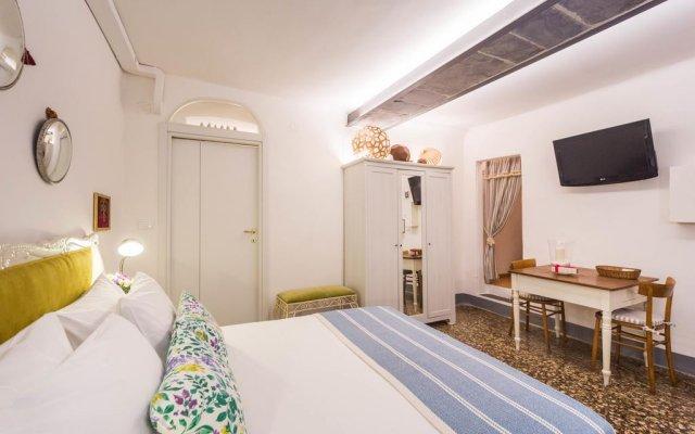 Отель Come And Stay With The Genoeses Генуя комната для гостей
