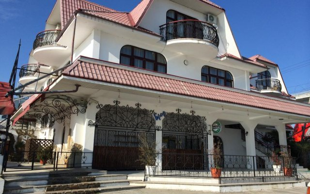 Гостиница Бриз в Сочи отзывы, цены и фото номеров - забронировать гостиницу Бриз онлайн вид на фасад