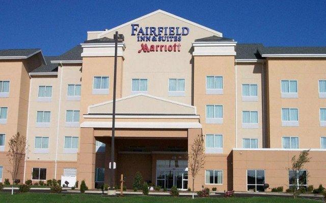 Отель Fairfield Inn & Suites Effingham вид на фасад