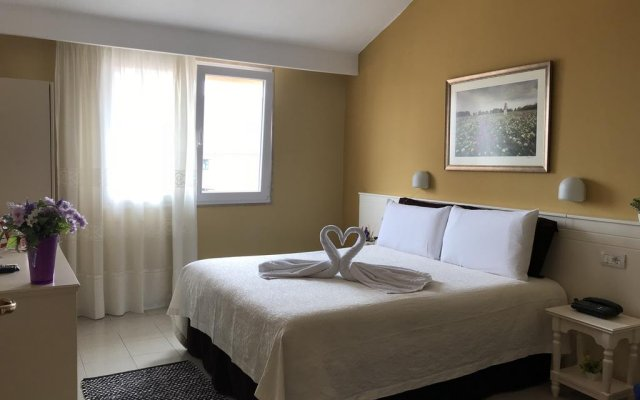 Hotel Nais 0