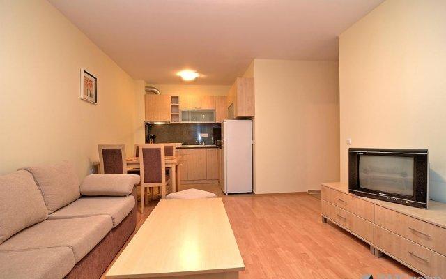 Отель PMG Nessebar Fort Apartments Болгария, Солнечный берег - отзывы, цены и фото номеров - забронировать отель PMG Nessebar Fort Apartments онлайн комната для гостей