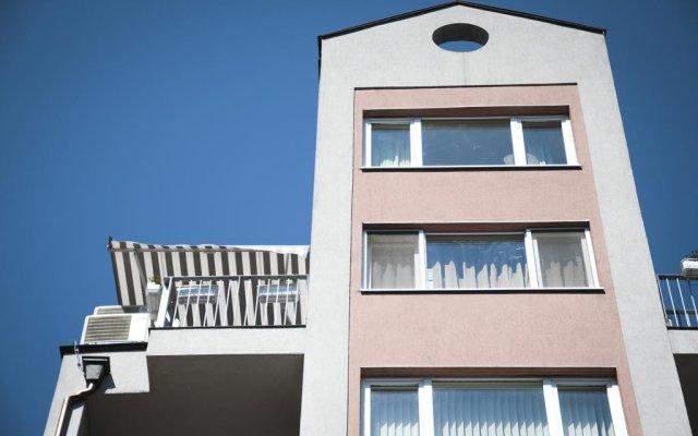 Апартаменты Derelli Deluxe Apartment вид на фасад