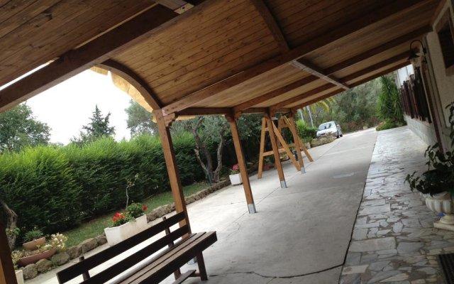 Отель Agriturismo Convivio Di Montalbano Санта Северина