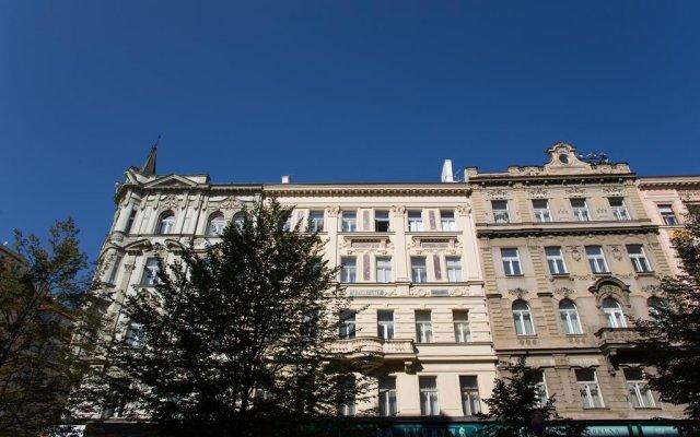 Отель Luxurious Loft Old Town Prague вид на фасад