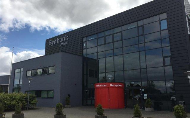 Отель Koldinghallerne - Sportel вид на фасад