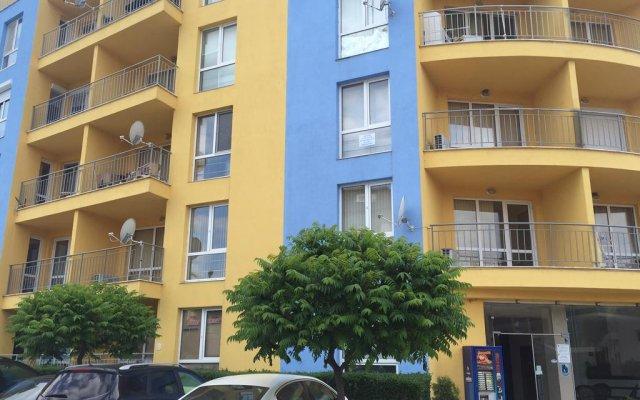 Отель Livi Paradise Apartments Болгария, Солнечный берег - отзывы, цены и фото номеров - забронировать отель Livi Paradise Apartments онлайн вид на фасад