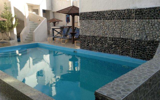 Katerina & John's Hotel бассейн