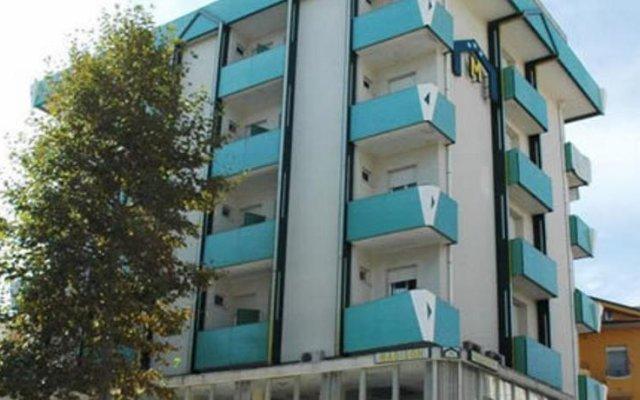Hotel Madison Римини вид на фасад