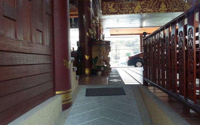Отель Royal Phawadee Village вид на фасад