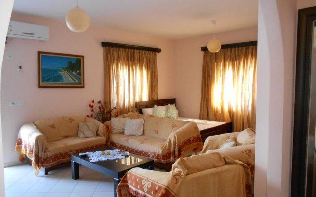 Отель Villa M Cako Албания, Ксамил - отзывы, цены и фото номеров - забронировать отель Villa M Cako онлайн комната для гостей
