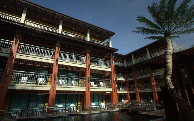 Princess Kamala Beachfront Hotel. вид на фасад