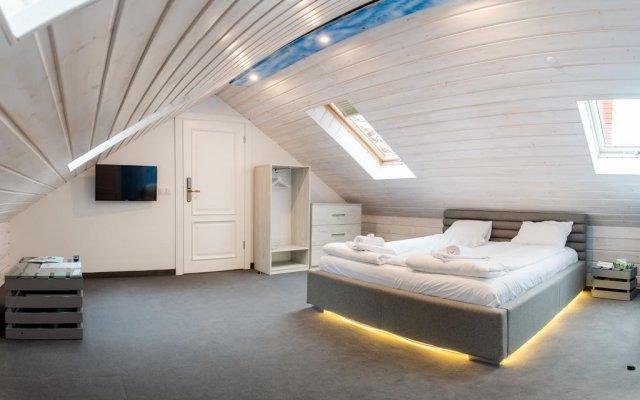 Отель Dworek Admiral комната для гостей
