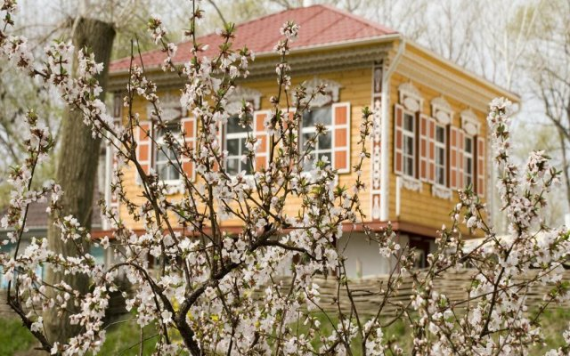 Hotel Petrovsky Prichal Luxury Hotel&SPA вид на фасад