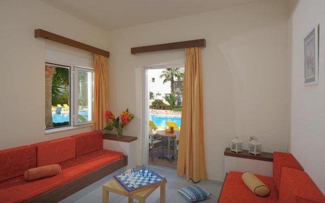 Meropi Hotel & Apartments комната для гостей