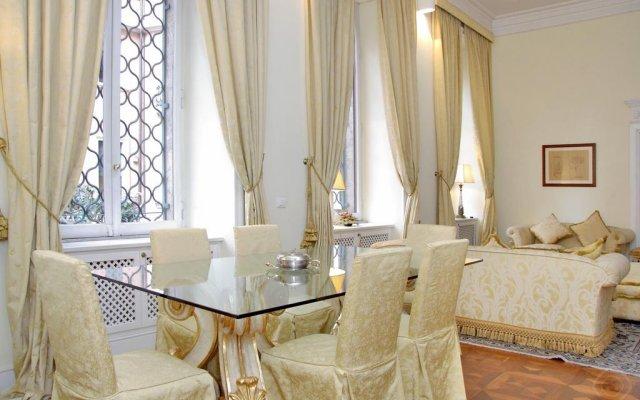 Апартаменты Parioli apartments-Villa Borghese area комната для гостей