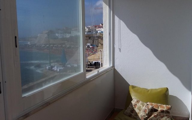 Отель Ericeira Beach TownHouse комната для гостей