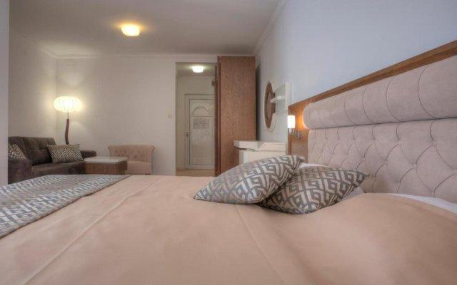 Hotel Adrović Свети-Стефан комната для гостей